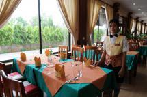 10Restaurant.jpg